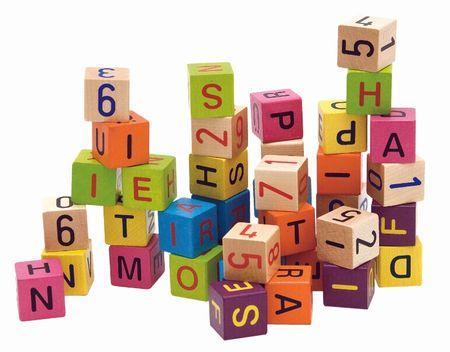 Woody Színes kockák betűkkel és számokkal, 40 db