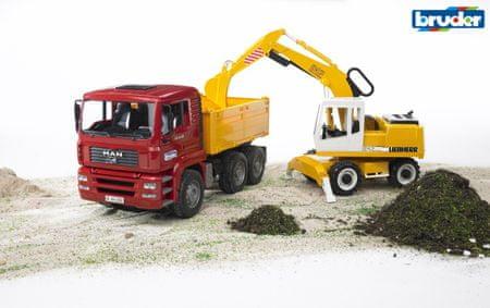 Bruder tovornjak in kopač MAN