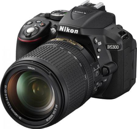 Nikon digitalni fotoaparat D5300 + 18-140 AF-S VR, črn