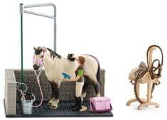 Schleich Umývací kút pre kone s príslušenstvom