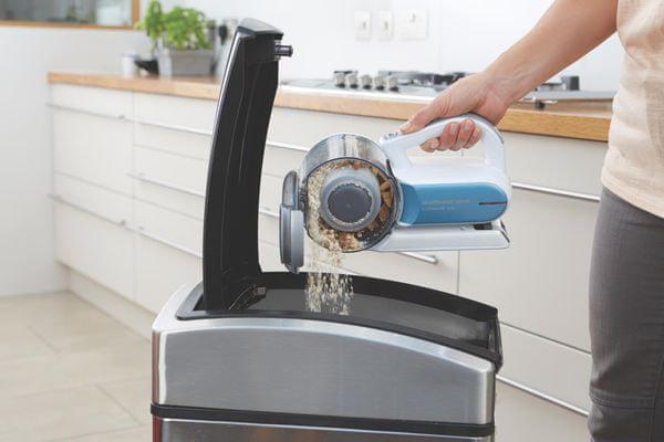Black&Decker PV1020L-QW snadné vyprázdnění nádoby na nečistoty