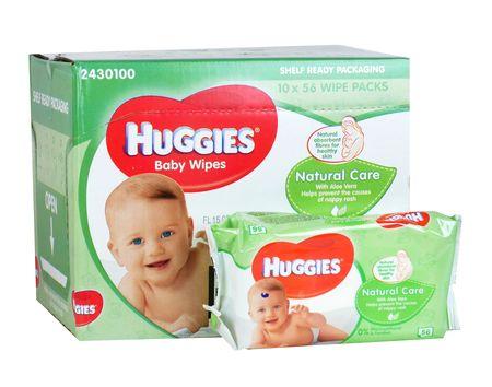 Huggies Natural Care törlőkendő, 10x56 db