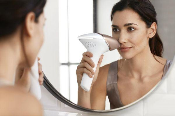 Philips BRI956/00 Lumea Prestige IPL odstranjevanje dlak na obrazu
