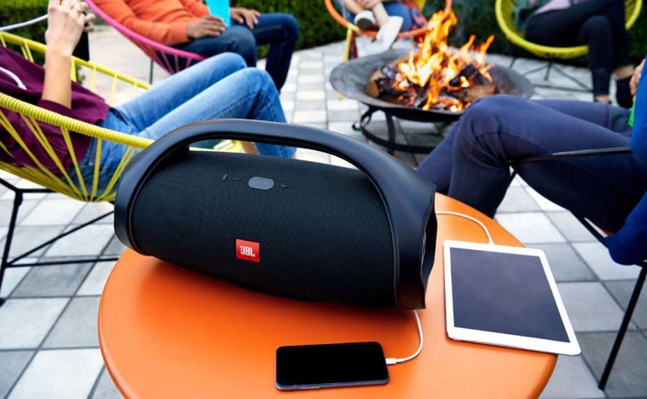JBL Boombox vezeték nélküli bluetooth hangszóró powerbank funkcióval