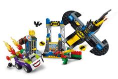 LEGO Juniors 10753 Joker™ napada Batmanovu špilju