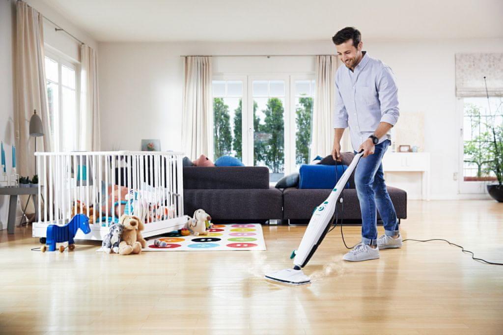Parný čistič Leifheit CleanTenso 11910 dôkladne čistí tvrdé podlahy