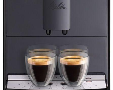 Кавоварка приготує відразу 2 чашки кави