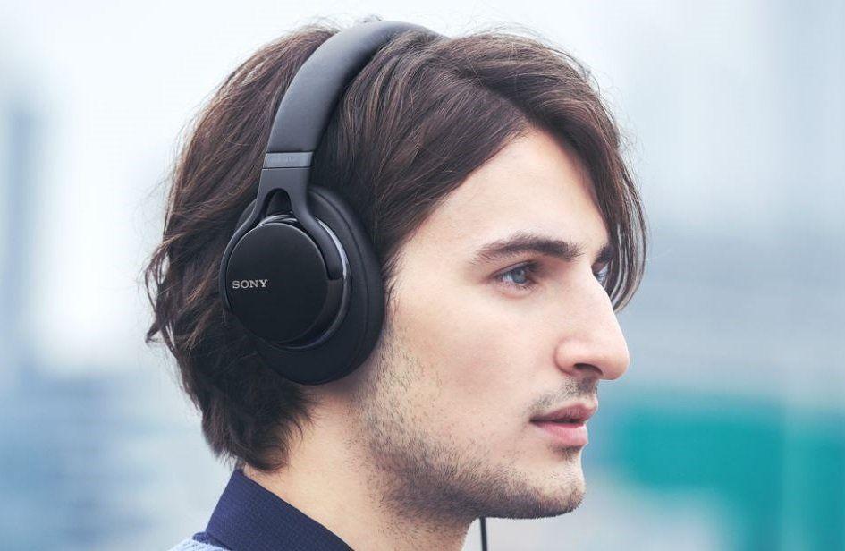 Přenosná uzavřená sluchátka Sony MDR-1AM2 výrazné basy plynulé vysoké frekvence