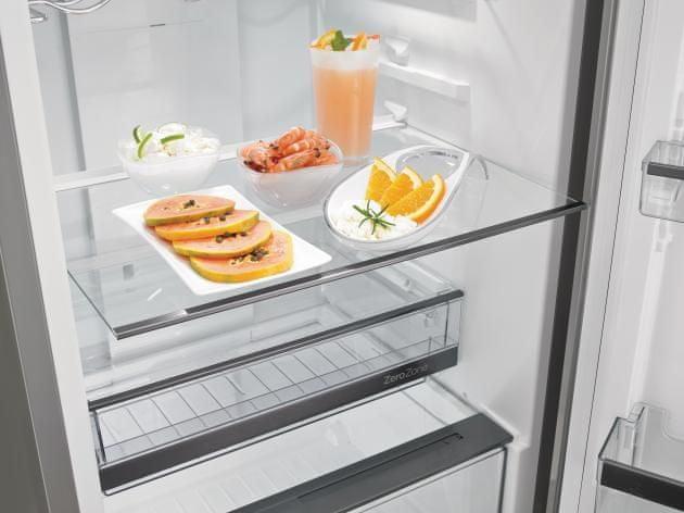 Kombinovaná chladnička s mrazničkou Gorenje NRK6193TX4 PullOut police