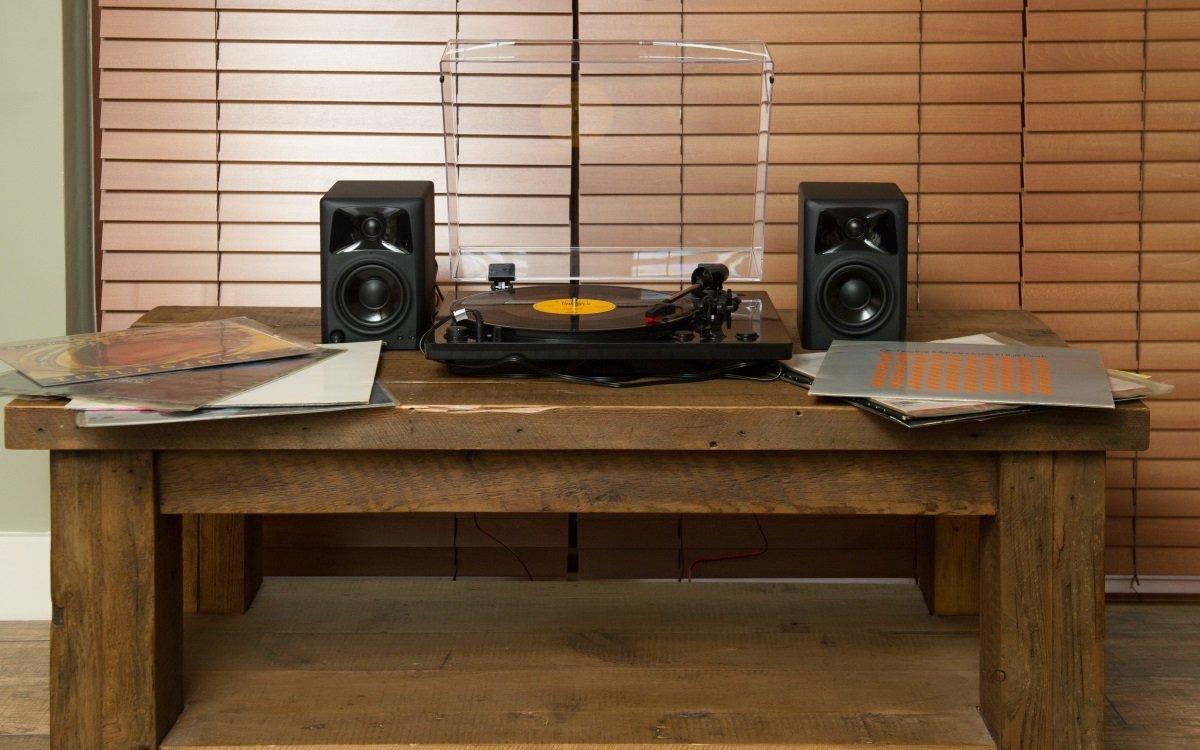 Gramofon ION Pro100BT stylový design