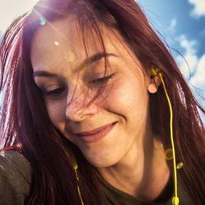 Brezžične slušalke Niceboy Hive E2 z magnetnimi zatiči