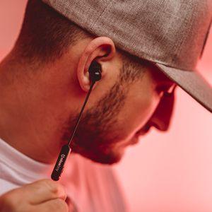 Brezžične bluetooth slušalke Niceboy Hive E2 omogočajo upravljanje glasnosti na kablu
