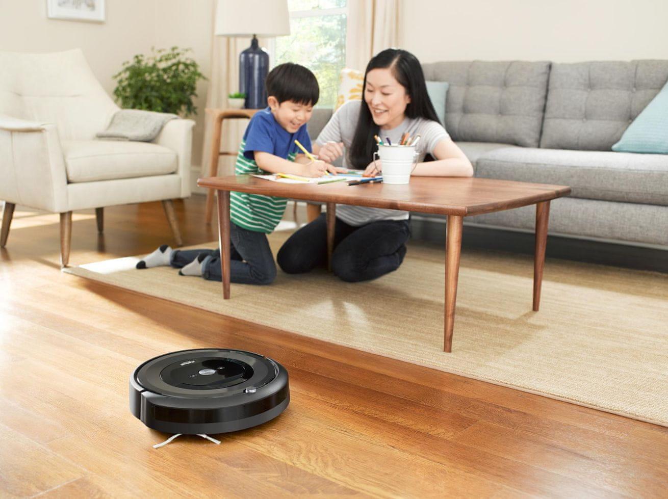 iRobot Roomba E5 nárazník se zpomaleným dotykem