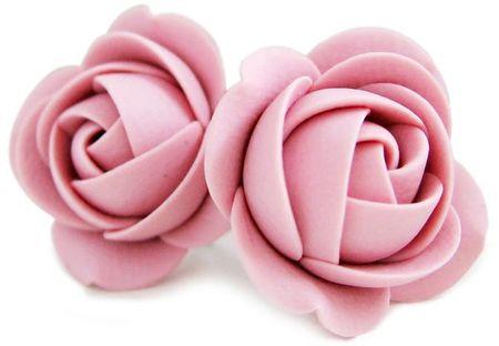 Troli Uhani iz rožnatega cvetja