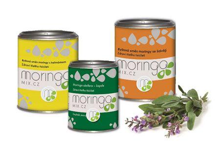Moringa MIX Dárkové balení Bylinná směs moringy s heřmánkem 100 g + Moringa oleifera 180 kapslí + Bylinná směs m