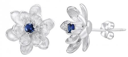 Silvego Szintetikus zafírral díszített virág ezüst fülbevaló SHZE968 ezüst 925/1000