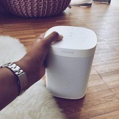 Sonos One hangszóró Érintésvezérlés