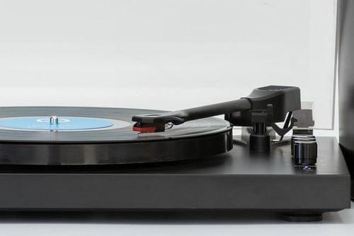 Gramofon GPO Retro Piccadilly 3 sebesség 2 hangszóró automatikus leállás retro elegáns design