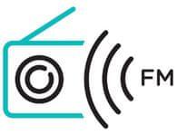 FM rádio s digitálním tunerem, paměť stanic.