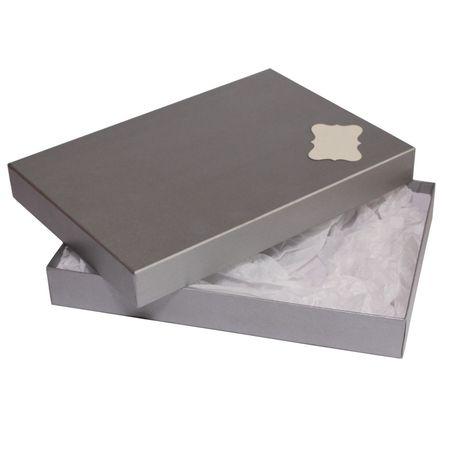 Giftisimo Dárková krabice se jmenovkou a hedvábným papírem - Ilona, stříbrná