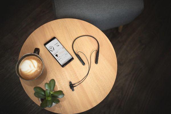 Sony WI-C600N fülhallgató vezeték nélküli Bluetooth üzemidő 6,5 óra beépített vezérlés nfc azonnali párosítás funkció
