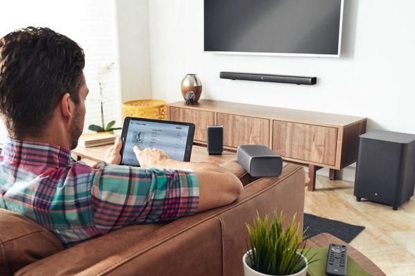 Soundbar JBL bar 5.1 s prostorovým zvukem JBL dolby digital dts dolby pro logic II až 3 4K zařízení subwoofer s 250mm měničem výkon 510 W streamování hudby bluetooth