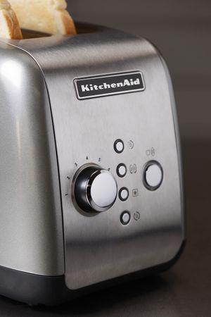 KitchenAid opekač kruha P2 KMT221ECU, srebrn