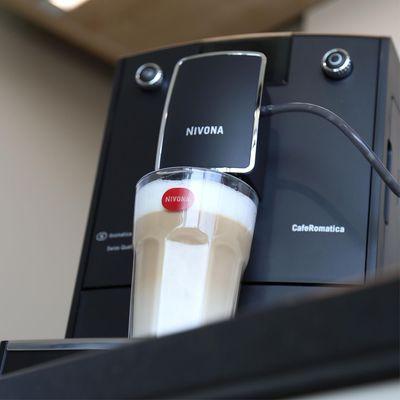 Nivona NICR 842 CafeRomatica překvapí svou kompaktností