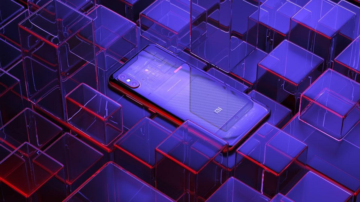 Xiaomi Mi 8 Pro, průhledný zadní panel, čtečka otisku prstů v displeji
