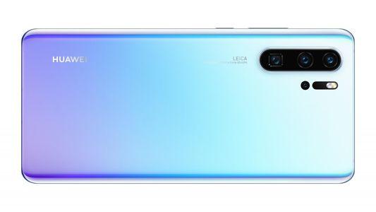 Huawei P30 Pro, IP68, prachu vzdorný, vodotěsný.