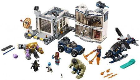 LEGO Super Heroes 76131 Csata az Avengerek bázisáért