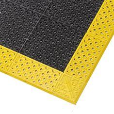 Černá plastová děrovaná rohož Cushion Lok HD, Grip Step - 2,2 cm