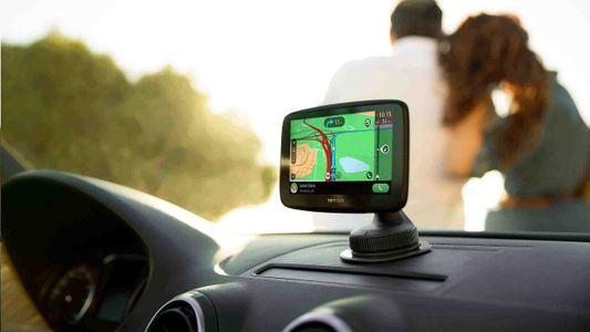 Nawigacja GPS TomTom GO ESSENTIAL 5 Traffic EU45 Lifetime, dożywotnia mapa Europy