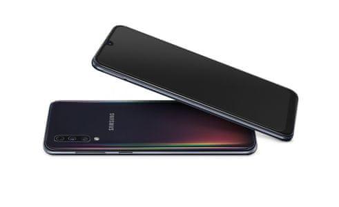 Samsung Galaxy A50, ergonomický design, štíhlý
