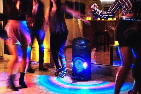 parti hangszóró sony mhc-v42d parti hangzás jet bass booster cd meghajtó ldac kodek Bluetooth vezeték nélküli hatótávolság 10 m dvd meghajtó dsp hdmi a TV-hez nfc