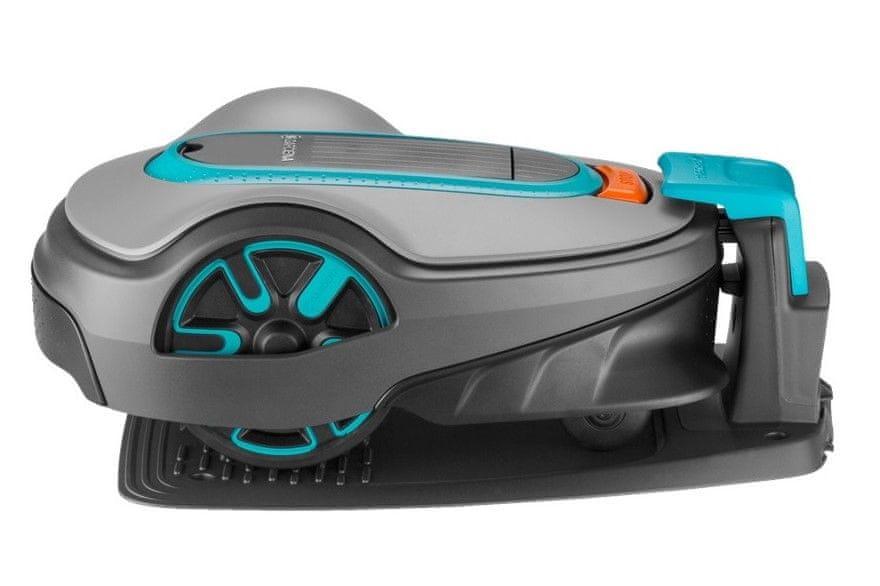 Robotickou sekačku důkladně umyjete jen za pomoci proudu vody a zabezpečíte pomocí PIN kódu