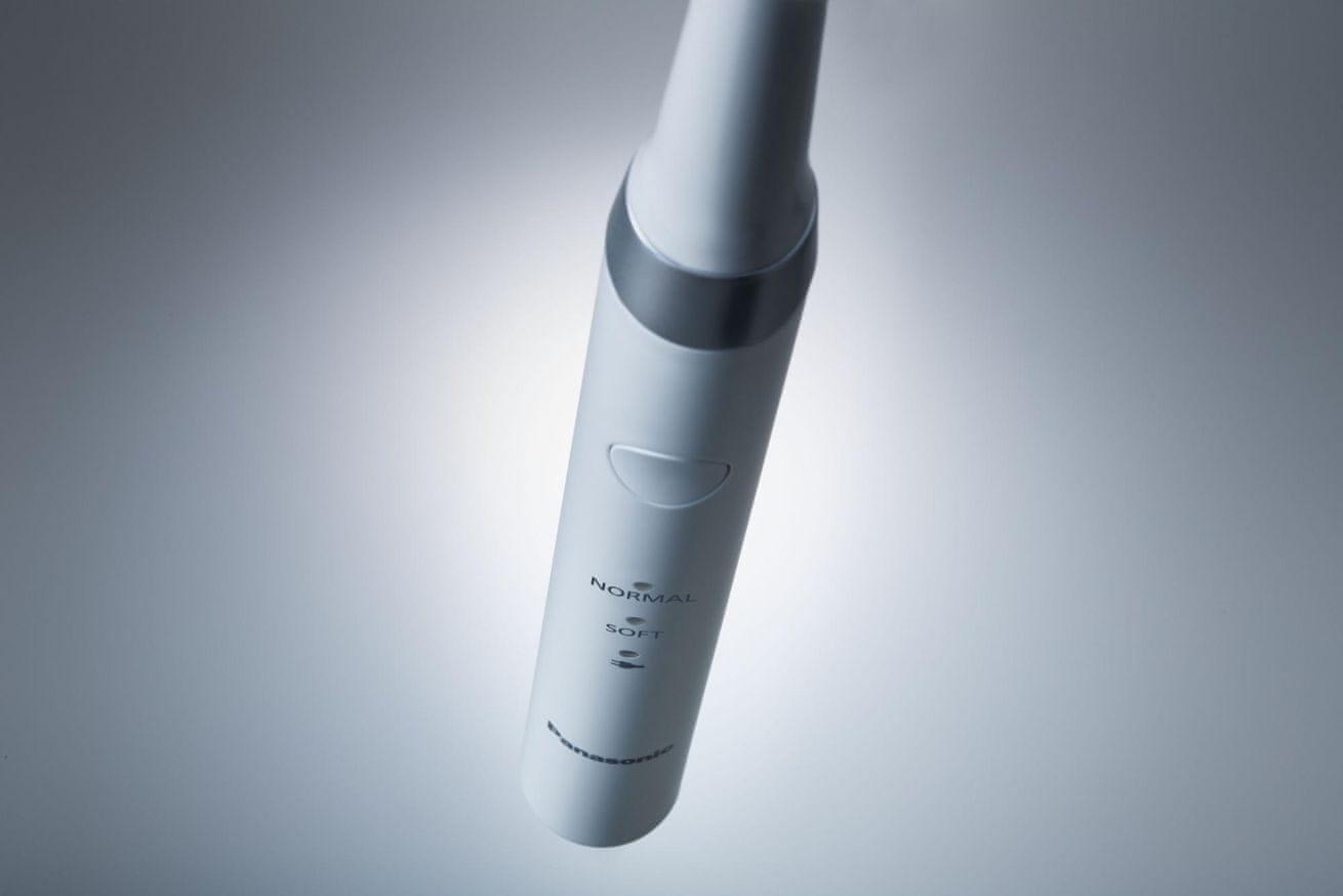 Panasonic EW-DM81 nabíjení