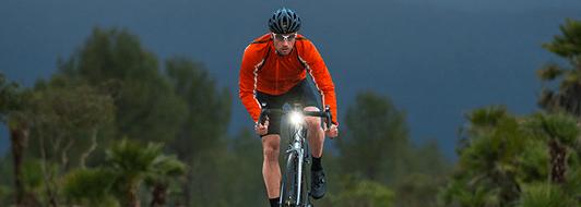 Garmin Edge 520 Plus GPS navigáció kerékpárra, baleset észlelése, gyorsulásmérő, baleseti jelentés, Rider-to-Rider üzenetek