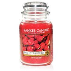 Yankee Candle vonná svíčka Sweet Strawberry 623 g