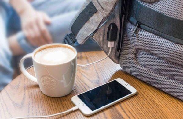 Bezpečnostní městský batoh na notebook XD Design Bobby Compact