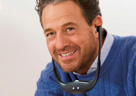 bezprzewodowa osłona podbródka technaxx tv tx-99 do słuchania dźwięku telewizora odpowiednia dla osób niedosłyszących bateria zapewniająca 8-godzinną żywotność kabel wytrzymałościowy z dźwiękiem parowania mikrofonu aux bez zniekształceń