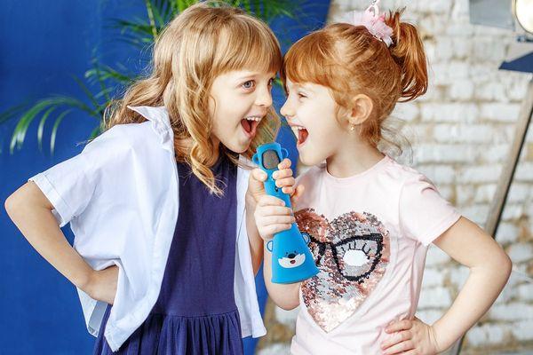 Bluetooth dětský mikrofon technaxx kidsfun bt-x46 echo funkce nabíjecí 1000mah baterie snadná manipulace 3w reproduktor roztomilý design
