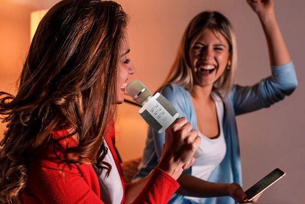 Bluetooth mikrofon technaxx fabric bt-x44 eov funkce nabíjecí 1000mah baterie snadná manipulace 5w reproduktory micro sd slot aux elegantní provedení