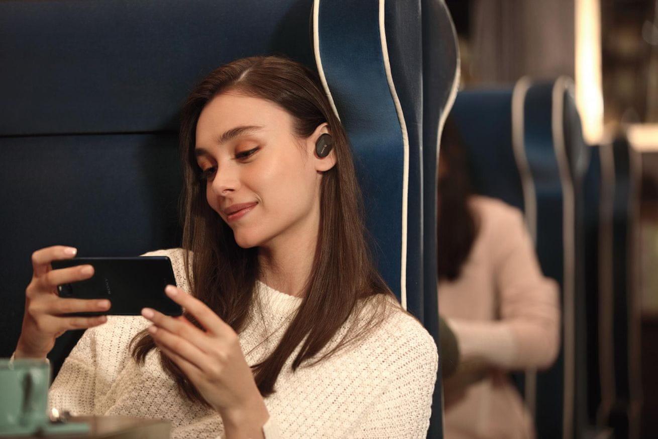 Sluchátka Sony WF-1000XM3 dlouhá výdrž baterie 24 hodin na jedno nabití