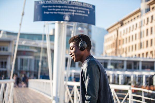 Bluetooth slušalke