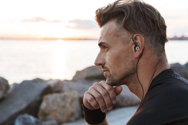 kabelová sluchátka buxton rei-ms 300 1,2m kabel  s tlačítkovým ovládáním kombinace 3 párů dynamických měničů skvělé zvukové vlastnosti  handsfree mikrofon