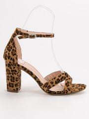 Krásné dámské se zvířecím motivem sandály na širokém podpatku