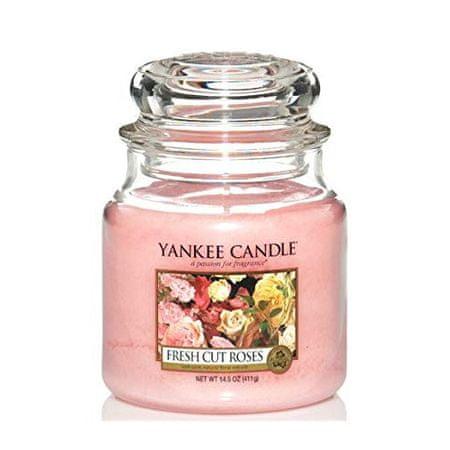 Yankee Candle Aromatična sveča Classic srednje srednje ( Fresh Cut Roses) 411 g