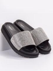 Pohodlné nazouváky černé dámské bez podpatku