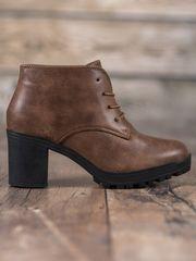 Moderní dámské zelené kotníčkové boty na širokém podpatku